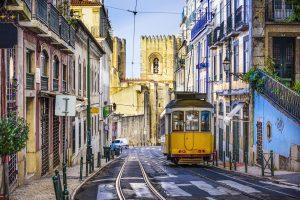 5 best neighborhoods to visit in Lisbon