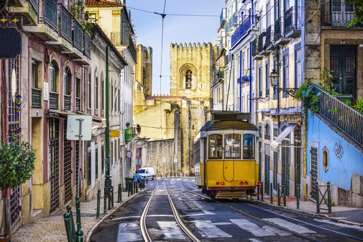 5 best neighborhoods to visit in Lisbon