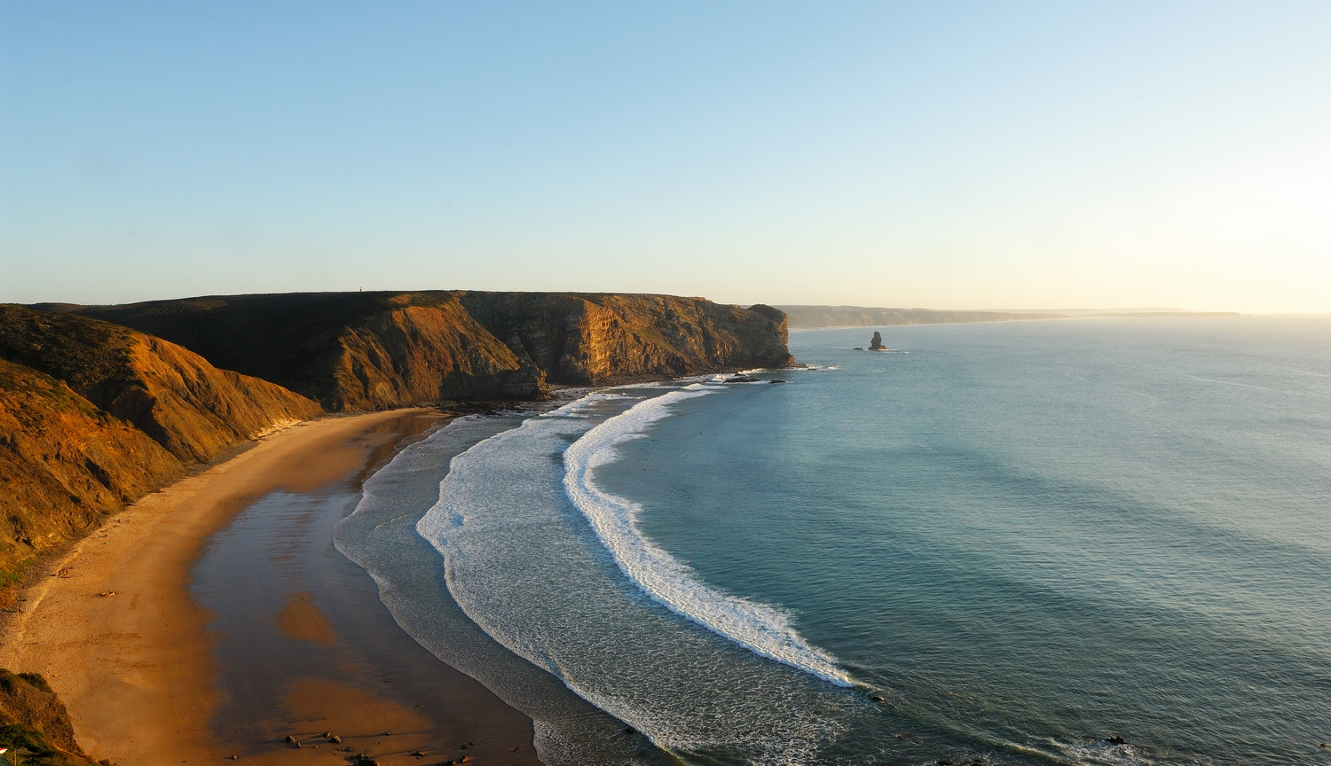 5 Of The Best Surf Spots In Portugal. Surfing Spots. // WarmRental