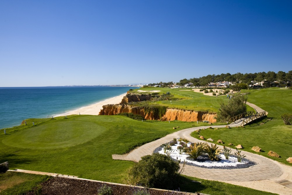 The Best Golf Courses In Portugal That You Need To Try. Where To Golf In Portugal. // WarmRental