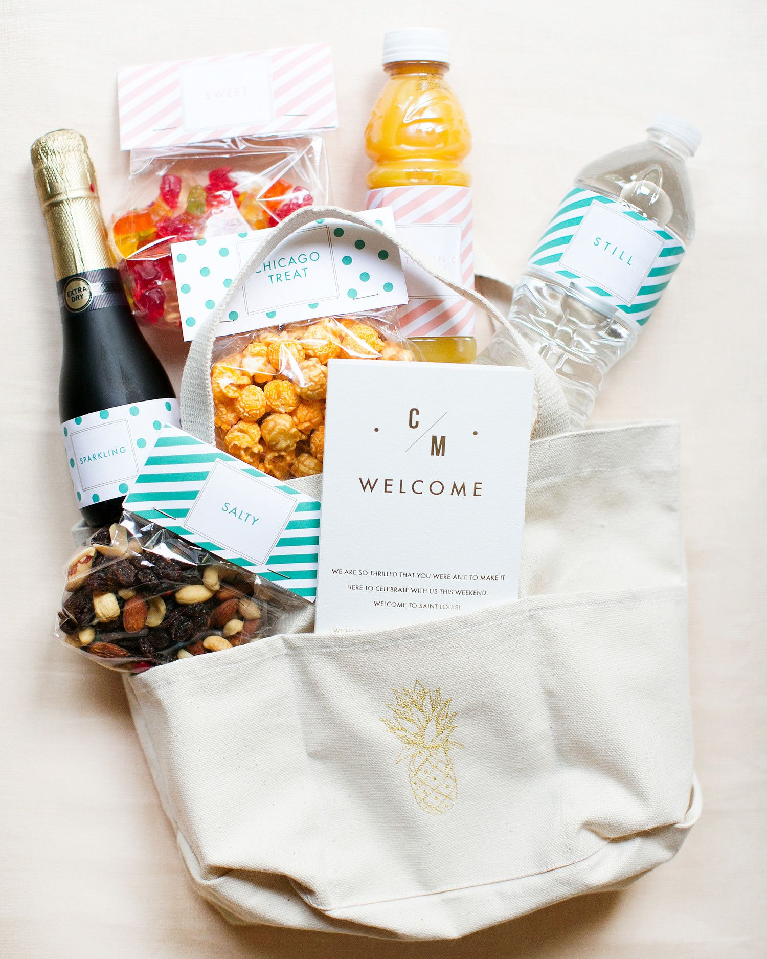 Gift Ideas For Destination Wedding: How To Create A Vacation Rental Welcome Basket