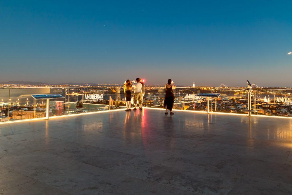Amoreiras 360 // Os Melhores Miradouros Em Lisboa. Melhores Vistas de Lisboa // Warmrental