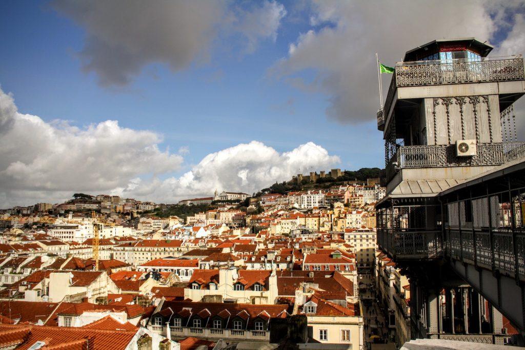 Elevador de Santa Justa // Os Melhores Miradouros Em Lisboa. Melhores Vistas de Lisboa // Warmrental