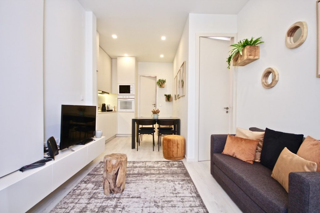 Marjoram Apartment | Where To Stay In Lisbon At Christmas: 10 Cozy Apartments In Lisbon. Christmas In Lisbon. Rent Lisbon Apartment. // Warmrental