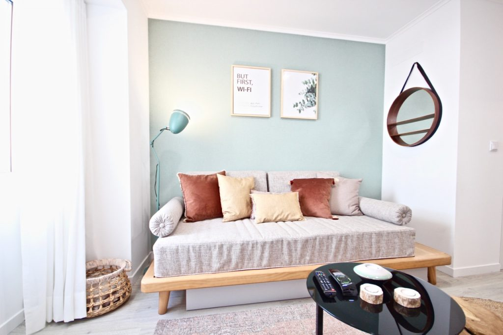 Pandan Apartment | Where To Stay In Lisbon At Christmas: 10 Cozy Apartments In Lisbon. Christmas In Lisbon. Rent Lisbon Apartment. // Warmrental