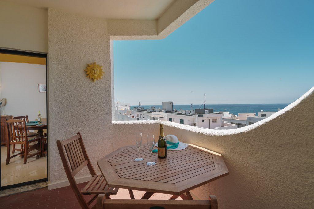 Easter Holiday Suggestions In Portugal. Easter Algarve. Easter Vacation Rental // Warmrental