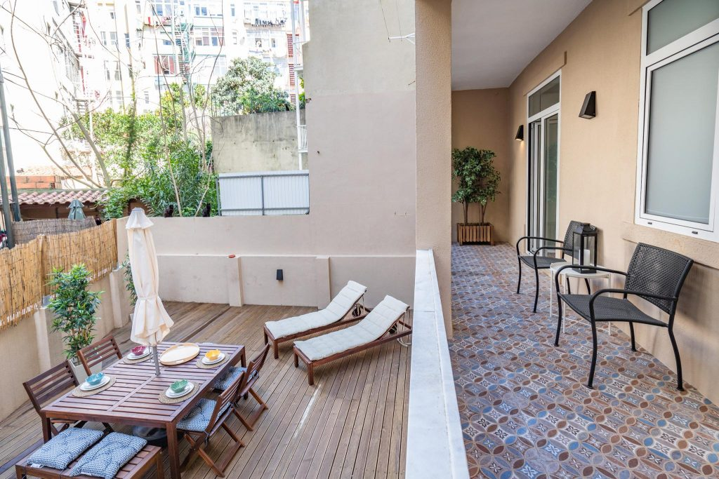 Where To Stay In Lisbon This Spring? 10 Apartments In Lisbon. Rent Apartment In Anjos // Warmrental