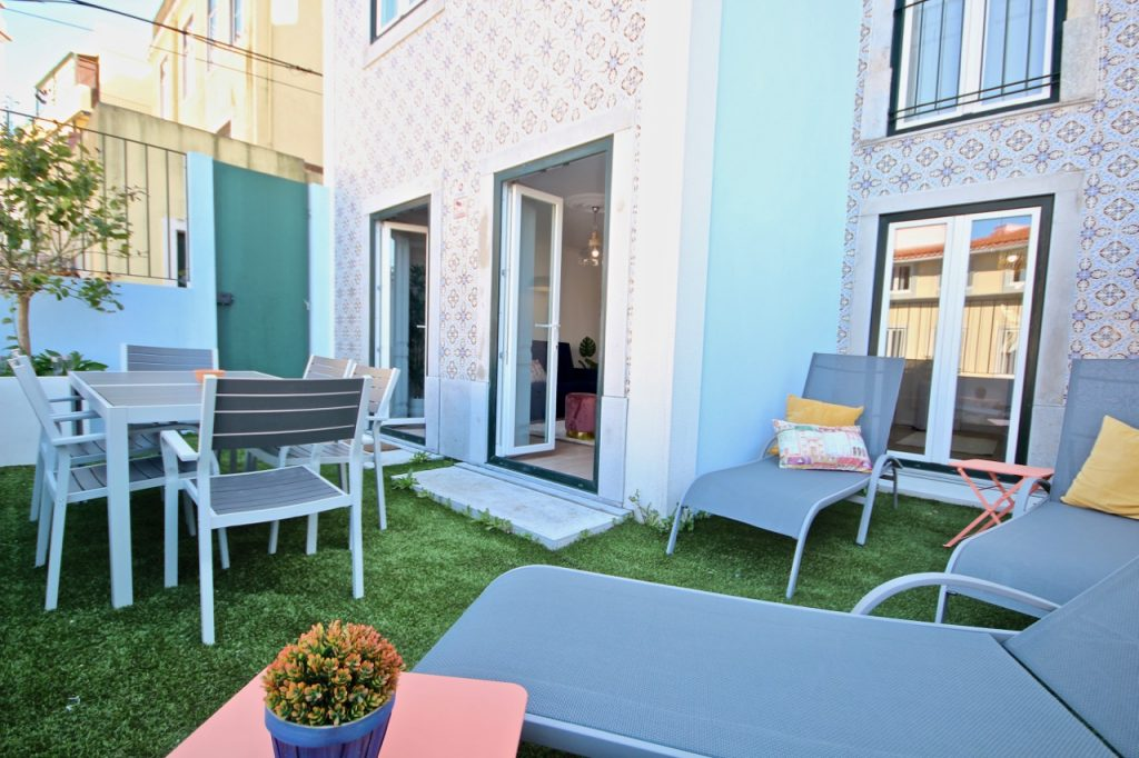 Where To Stay In Lisbon This Spring? 10 Apartments In Lisbon. Rent Apartment In Mouraria // Warmrental