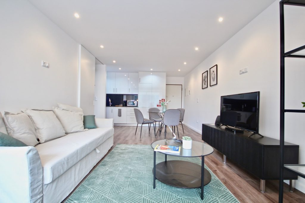 Where To Stay In Lisbon This Spring? 10 Apartments In Lisbon. Rent Apartment In Sete Rios // Warmrental