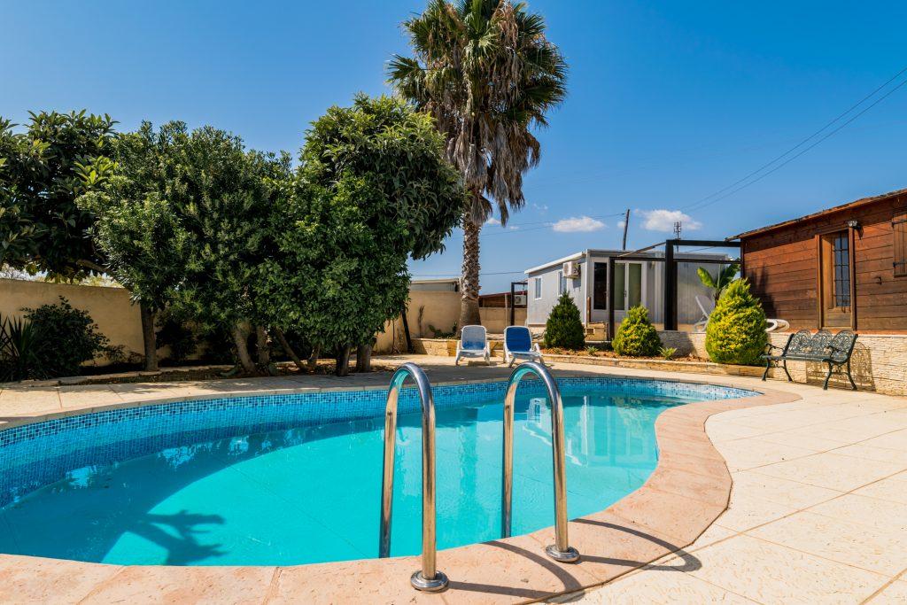 Férias no Algarve em Setembro? 9 Sugestões Fantásticas - casa piscina alcantarilha
