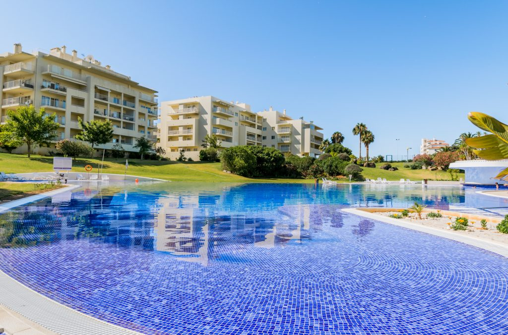 Planning An Algarve Vacation In September? Here Are 9 Fantastic Suggestions! - sinapis apartment alvor