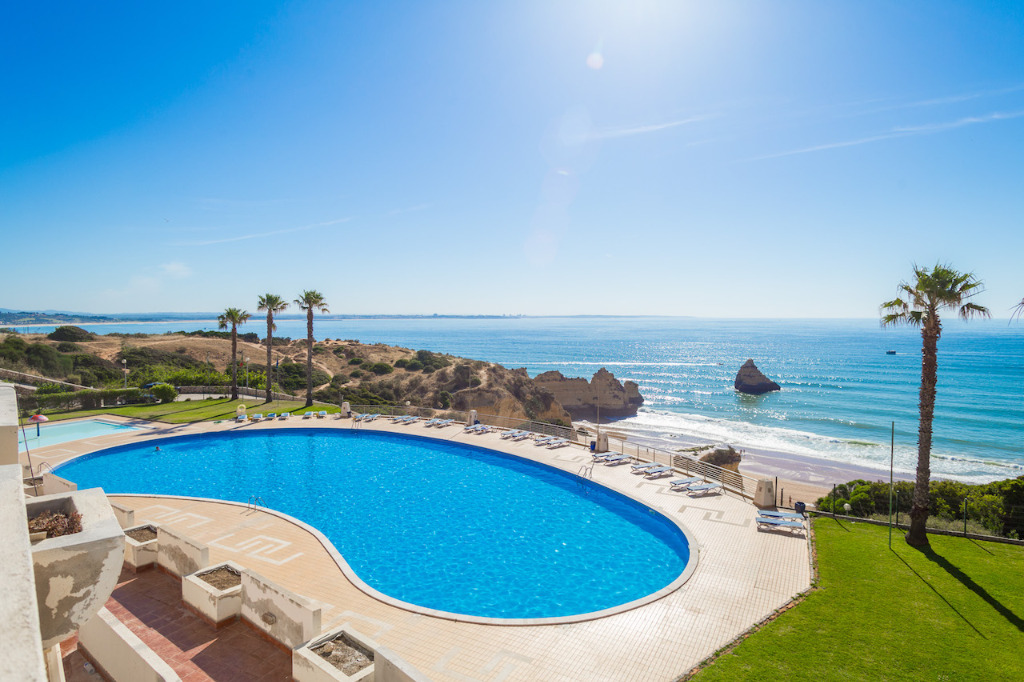 12 Pet Friendly Vacation Rentals In Portugal   12 Pet Friendly Vacation Rentals In Lagos   Warmrental