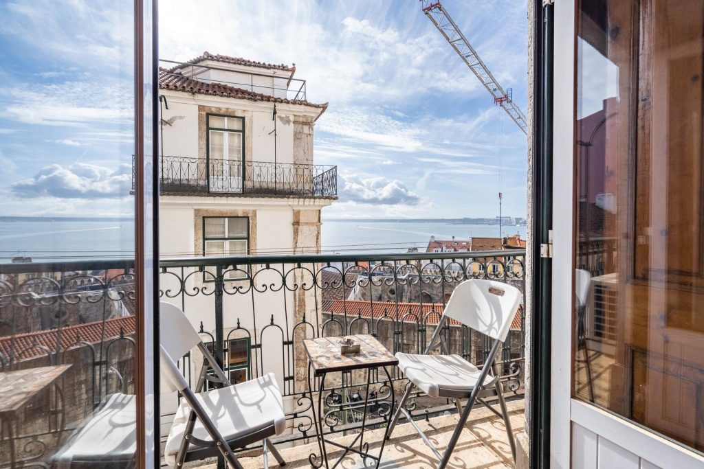 12 Pet Friendly Vacation Rentals In Portugal   12 Pet Friendly Vacation Rentals In Lisboa   Warmrental