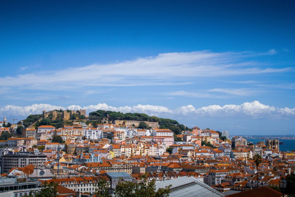 Lisbon Itinerary - What To Do In Lisbon In 3 Days | Warmrental