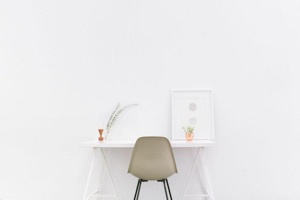 Como Adaptar O Seu Alojamento Local Para Trabalho Remoto | Dicas Anfitrião Airbnb. Gestão Alojamento Local. Trabalhadores Remotos | Warmrental