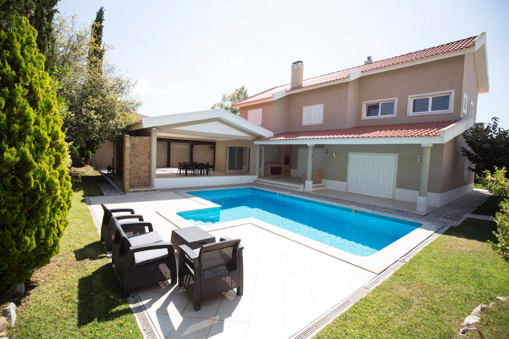 Holiday Villas With A Private Pool To Rent In Central Portugal | Vacation Rental In Central Portugal | Private Pool Villa In Sintra | Warmrental