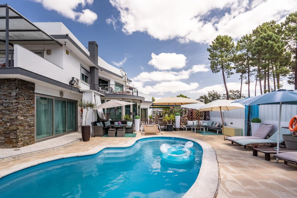 Holiday Villas With A Private Pool To Rent In Central Portugal | Vacation Rental In Central Portugal | Private Pool Villa In Azeitão | Warmrental