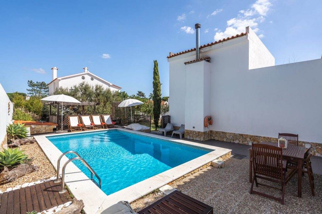 Holiday Villas With A Private Pool To Rent In Central Portugal | Vacation Rental In Central Portugal | Private Pool Villa In Sesimbra | Warmrental