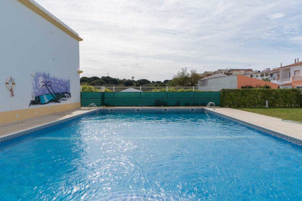 5 Holiday Rentals Near Falésia Beach, Albufeira | Olhos de Água | Villas And Apartments Near Praia da Falésia | Warmrental
