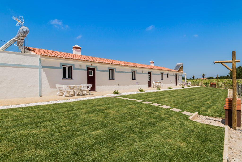 10 Moradias Isoladas Para Umas Férias No Algarve | Ferias em Aljezur | Casa Com Jardim e Churrasqueira | Warmrental