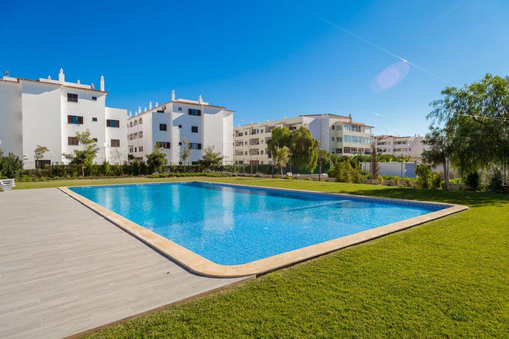 9 Pet-Friendly Apartments In Algarve | Pet Friendly Vacation Rentals In Algarve Santa Eulália | Warmrental