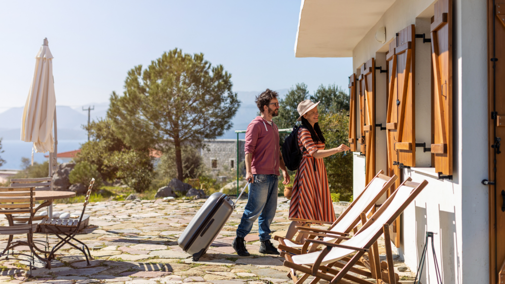 What You Need To Know To Host Foreign Tourists In Your Vacation Rental In Portugal | COVID-19 | Vacation Rental Owner | Airbnb Host | Warmrental