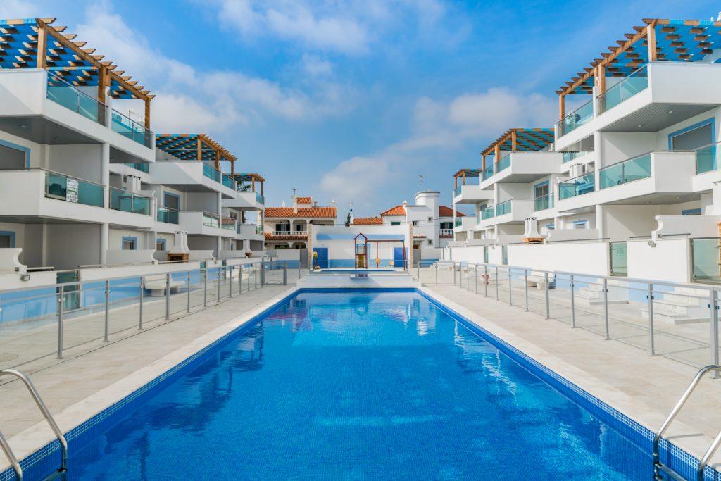 Férias No Algarve Em Setembro | Casas Para Férias Com Piscina Em Manta Rota