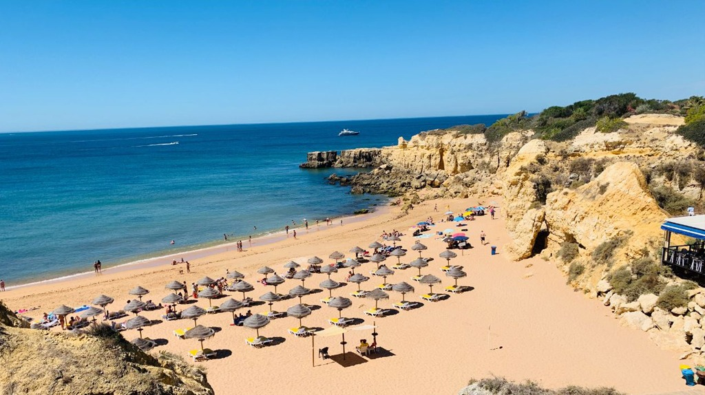 Regras De Acesso Às Praias Em Portugal